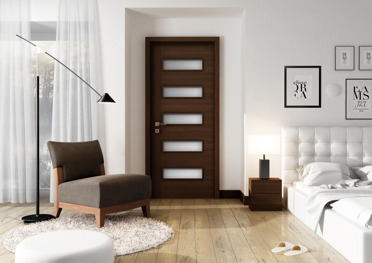Ilustrační obrázek renovovaných dveří.